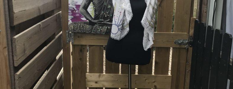 langwerpige boho style shawl licht grijs