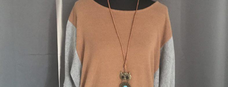 Stoerre trui bric en grijs met leuke uil ketting